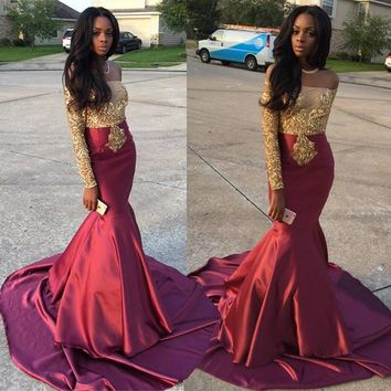 Modern Off-the-Shoulder Long Sleeves Appliques Sweep Train Long Prom Dress