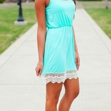 Lace Patchwork Round Neck Dress