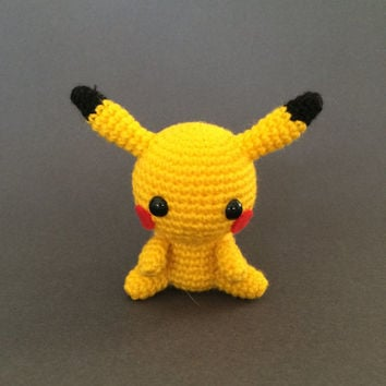 Pikachu Pokemon Amigurumi Plush Doll