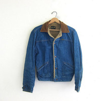 Vintage 1970s WRANGLER jean jacket. Denim jean jacket. lined with corduroy collar. work chore coat
