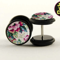Wallflower Fake Plugs by Plug-Club