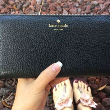 NWT kate spade new york Cobble Hill Lacey Wallet Black Zip Around $198 Pebble