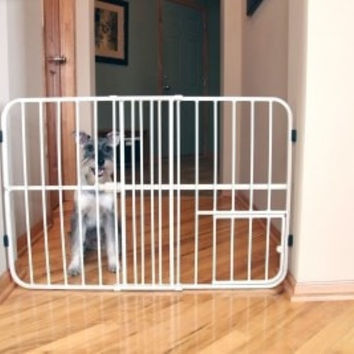 "DOG CONTAINMENT - GATES - CARLSON EXPANDABLE GATE - 24""H 26-42W - W/SMALL PET DOOR - CARLSON PET PRODUCTS - UPC: 891618006245 - DEPT: DOG PRODUCTS"