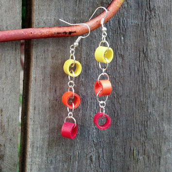Dangle Chain Paper Quilled Earrings - paper quilling earrings, paper quilling jewelry, dangle chain earrings, ecofriendly earrings