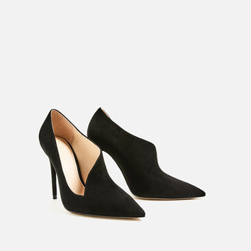 ASYMMETRIC LEATHER HIGH HEEL SHOES DETAILS