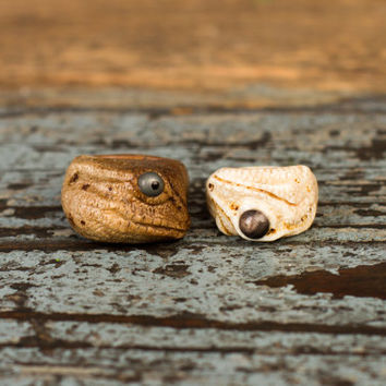 Lizard ring Art Design Lizard jewelry Totem ring Petrified wood pendant 5th Anniversary gift for him Natural Woodland Jewelry Mens wide band