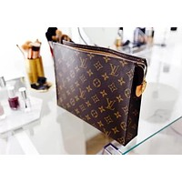 Louis Vuitton LV Women Makeup Bags Handbag Men's Business Bag Louis Vuitton Classic Clutch Bag