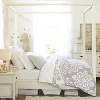 CHATHAM CANOPY BED