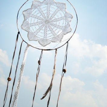 Dream catcher crochet lace cream and white wall decoration handmade OOAK finished product