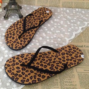 New 2017 Women's Summer Beach Flip Flops Lady Slippers Women Summer Shoes for Women Flat Heel Casual Brand Shoes