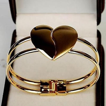 Womens Fashion Elegant Bangle Gold Tone Cuff Heart Bracelet