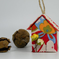 Christmas Tree Ornament, Decorative Paper Ornament, Mini Red House with Yellow and White Rose