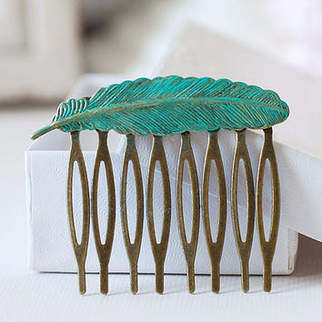 Verdigris Patina Blue Feather Hair Comb.  Detailed Antique Brass Bird Feather Hair comb. Woodland Inspired Wedding Bridal Hair Accessory