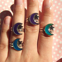 90s crescent moon mood ring