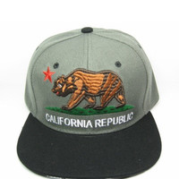 + Snapback California in Black