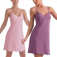 Under Moments Women's Delicate Nightgown