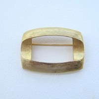 Vintage Capri brooch golden textured rectangle pin