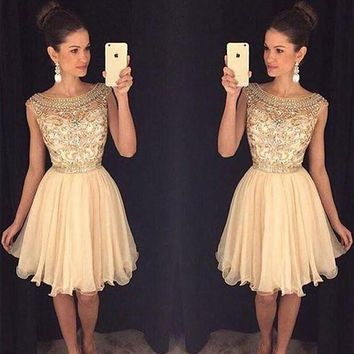 2017 Champagne Sparkly Short Prom Cocktail Dresses Cute Beaded A-line Knee Length Bling Cocktail Par