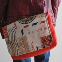Travel Messenger Bag By El Rincón De La Pulga