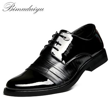Men's Big Yards Breathable Dress Shoes Lace-up Fashion Temperament Gentleman Flat Shoes Party Date