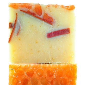 FinchBerry Handmade Soap - Renegade Honey*