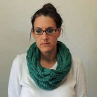 Green Hand Knit Cable Chunky Cowl Scarf