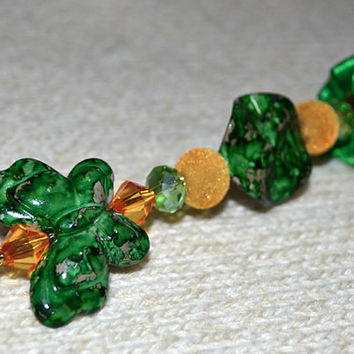 Fashion hand-decorated safety #pin to adorn #Hats and #Jackets, close #Cardigan and #Scarves - Color Orange and Green