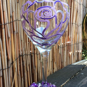 The Maggie Wine Glass -painted rose flower-