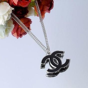 Chanel Woman Fashion Logo Necklace