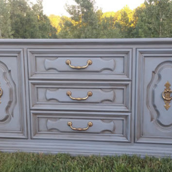 Vintage Chalk Painted Buffet/Sideboard/Entertaintment Center Annie Sloan Chalk Paint