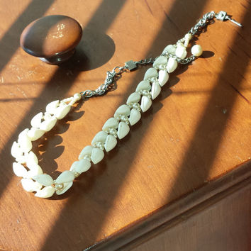 """14"""" Long Vintage Cowrie Shell and Pearl Beaded Choker Necklace w/Extender Chain"""