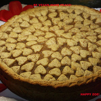 Super Vegan Love Apple Pie and Almond Crust  ,natural and healthy ingredients.