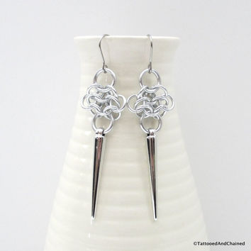 Rosette chainmaille earrings with silver spikes