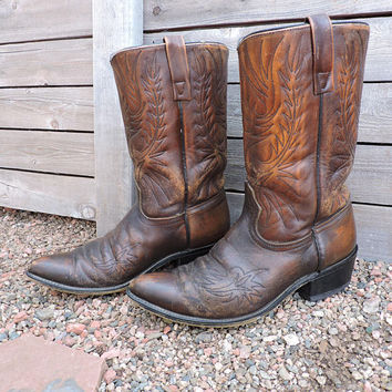 Vintage 70s Acme boots / size 10 D / 1970s circle A cowboy boots / brown tooled western boots / made in USA