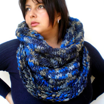 Bulky Blue Cowl Hand KnitWoman Trendy Warm  Merino Wool  Cowl NEW