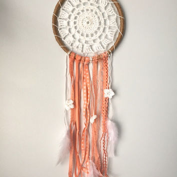Dreamcatcher, Boho Crochet Dreamcatcher, Peach Dreamcatcher with crochet center, crochet flowers and twine, White Dreamcatcher with feathers