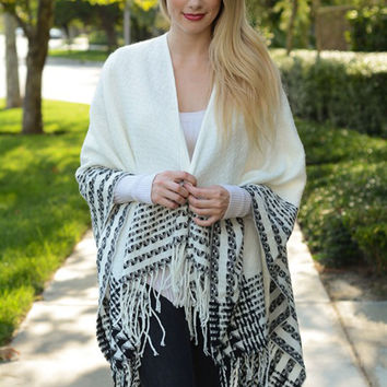 Quilted Tassel Poncho-White