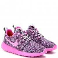 NIKE ROSHE RUN SNEAKERS