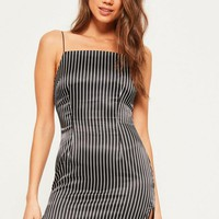 Missguided - Black Silky 90's Neck Stripe Shift Dress