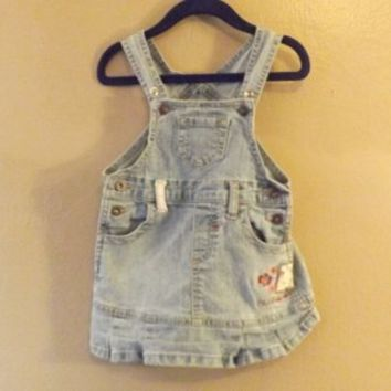 90s Vintage Baby Girls LEVIS Overalls Denim Jumper Size 24 Months / Vintage Girl Clothes / Vintage Kids Clothes / Blue Jean Dress / Toddler