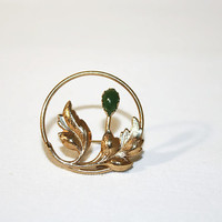 Karatclad by Bell Round Gold Tone Pin with Jade, Brooch,