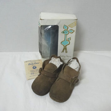 1960s Vintage Baby Deer Soft Soles Baby Shoes with Original Box, Size 4, Tan Brushed Leather, Vintage Baby Shoes, Clothing, 1960s Baby Shoes