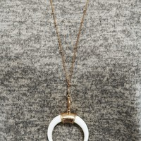 Feel The Magic Necklace: Gold/Ivory