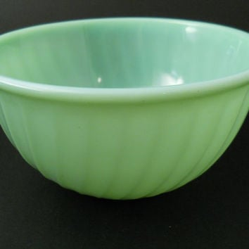 Jadite Or Jadeite Swirl Mixing Bowl 9 in Fire King Anchor Hocking c 1950s