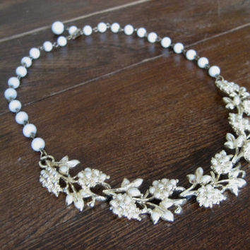 vintage Coro / Milk Glass Bead Necklace / Gold Tone Necklace / Enamel Jewelry / Floral Necklace / White Enamel / Mid Century Necklace /