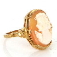 Vintage 10 Karat Yellow Gold Shell Cameo Cocktail Ring Fine Estate Jewelry