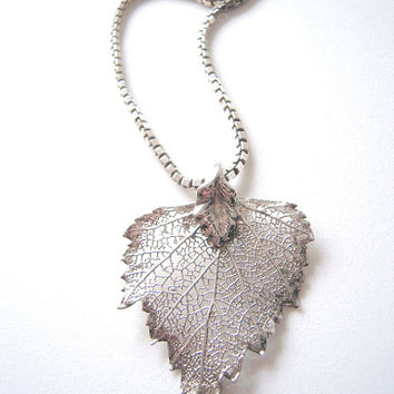 Real Cottonwood leaf in Sterling silver pendant, unisex pendant, botanical nature lover,1980s pendant,leaf jewelry, tree leaf jewelry,love.