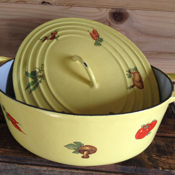 Stunning 6 Qt Cast Iron Enamelware Oval Dutch Oven Yellow Vegetable Pattern Light Grey Glissemaille Interior with Lid Descoware Le Cruset