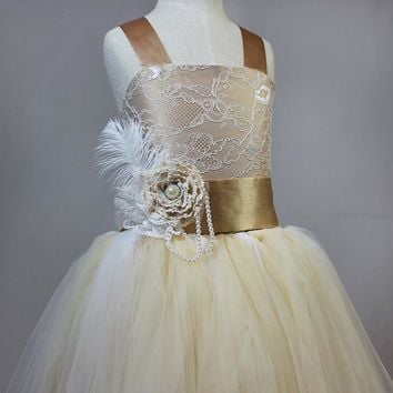 Real Sample Rustic Champagne Gold Flower Girl Dresses For Wedding Vintage Peacock Ivory Lace Ball Gown Flower Girl Dresses