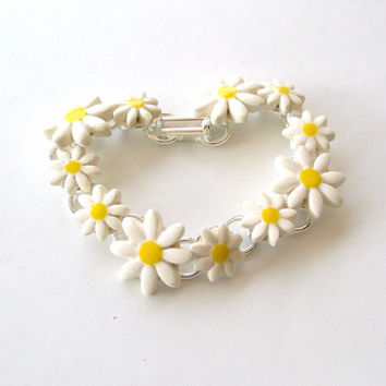 Daisy chain bracelet ceramic daisies silver by damsontreepottery